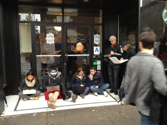 Manhattan residents needing the internet flock to their local Starbucks, Oct 30 2012