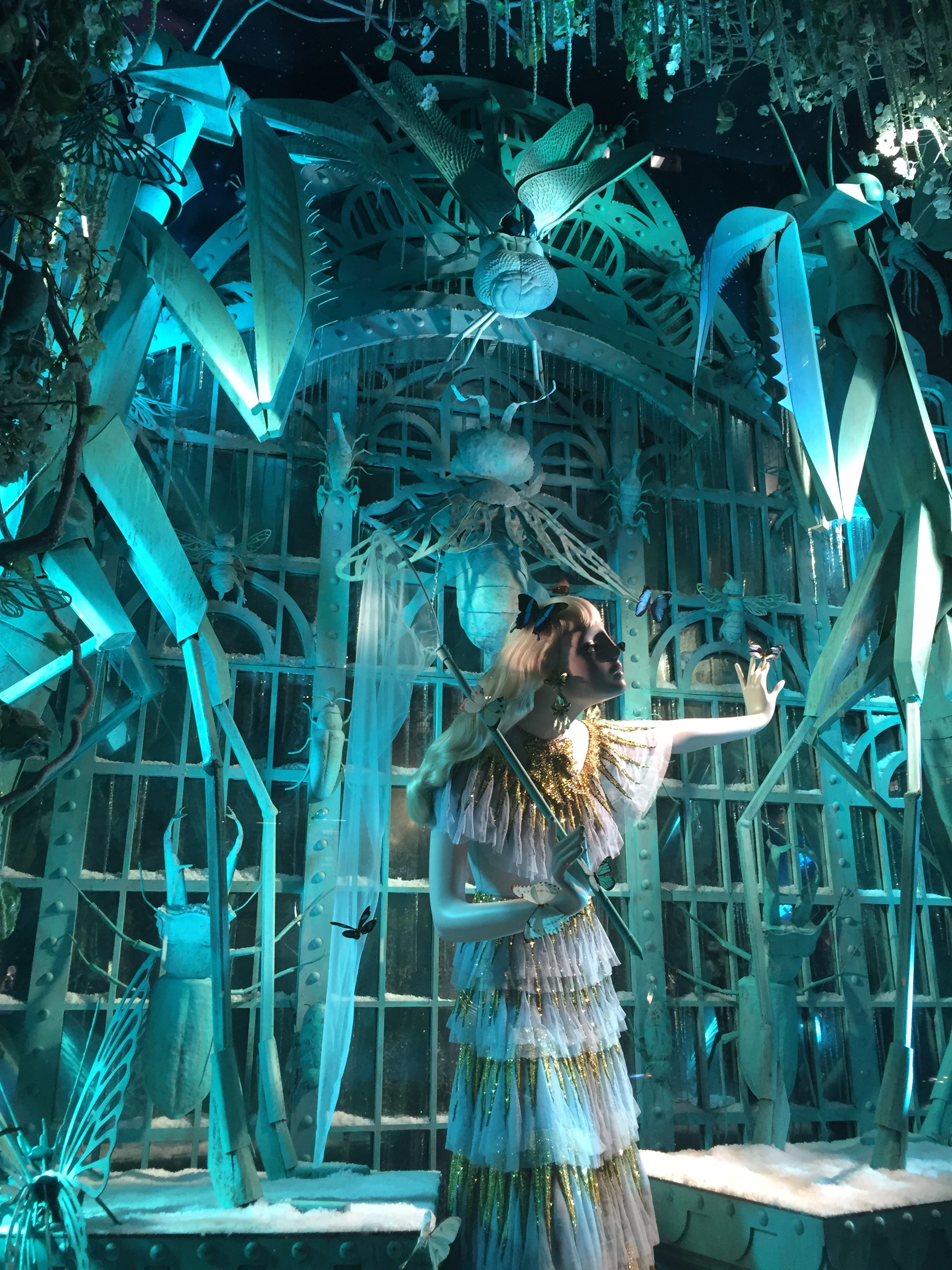 Bergdorf Goodman Holiday Windows 2016 Destination Extraordinary ...